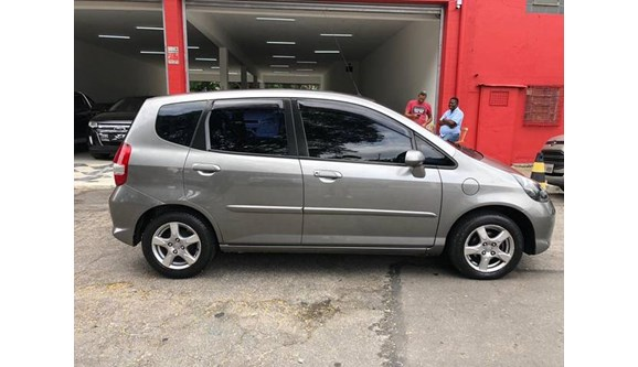 //www.autoline.com.br/carro/honda/fit-14-lx-8v-flex-4p-manual/2008/sao-paulo-sp/9853520
