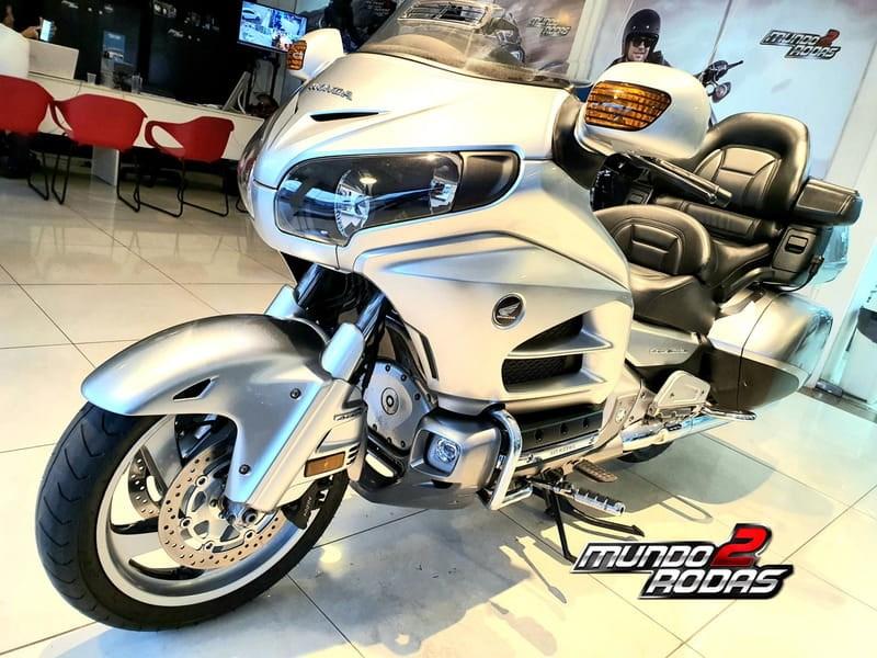 //www.autoline.com.br/moto/honda/gold-wing-gl-1800c-abs-gas-mec-basico/2013/sao-luis-ma/12587997