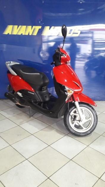 //www.autoline.com.br/moto/honda/lead-110-gas-aut-basico/2013/sao-paulo-sp/12519263