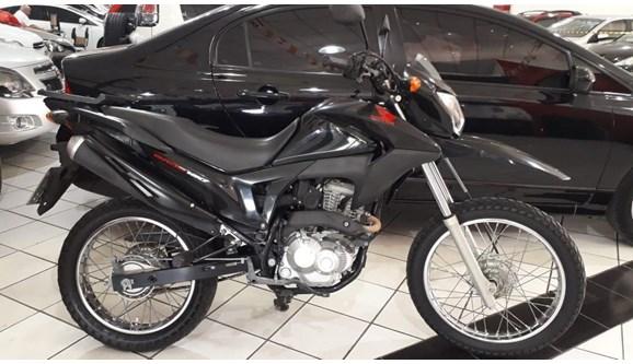 //www.autoline.com.br/moto/honda/nxr-160-bros/2018/sao-paulo-sp/11310429