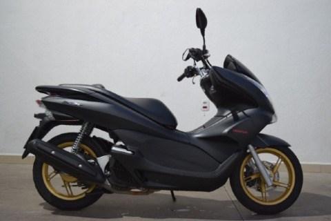//www.autoline.com.br/moto/honda/pcx-150-gas-aut-basico/2015/conceicao-dos-ouros-mg/14901709