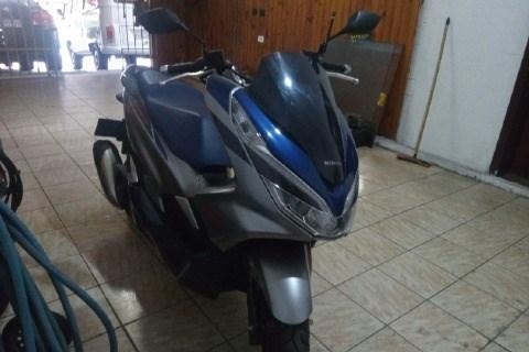 //www.autoline.com.br/moto/honda/pcx-150-sport/2020/sao-paulo-sp/15523423