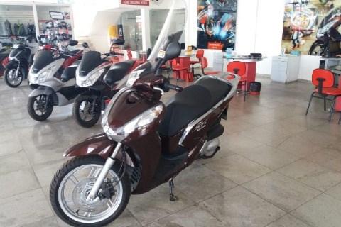 //www.autoline.com.br/moto/honda/sh-300i/2020/teixeira-de-freitas-ba/14323776