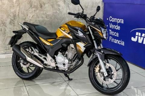 //www.autoline.com.br/moto/honda/xre-300-adventure-flex/2018/jandira-sp/15549717