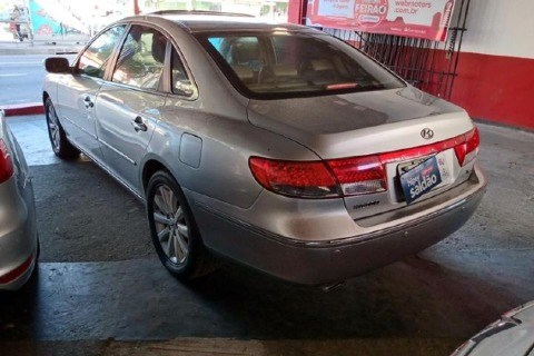 //www.autoline.com.br/carro/hyundai/azera-33-v6-24v-gasolina-4p-automatico/2010/niteroi-rj/12618116