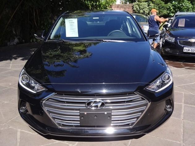 //www.autoline.com.br/carro/hyundai/elantra-20-gls-16v-sedan-flex-4p-automatico/2018/itaqui-rs/11008151