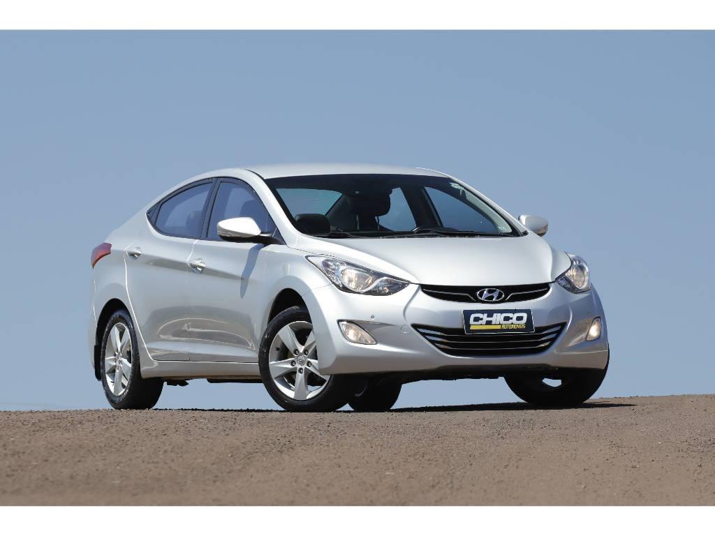 //www.autoline.com.br/carro/hyundai/elantra-20-gls-16v-sedan-flex-4p-automatico/2014/frederico-westphalen-rs/12747326