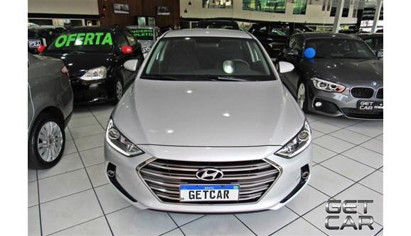 //www.autoline.com.br/carro/hyundai/elantra-20-gls-16v-sedan-flex-4p-automatico/2018/sao-paulo-sp/13206873