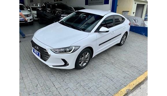 //www.autoline.com.br/carro/hyundai/elantra-20-gls-16v-sedan-flex-4p-automatico/2018/sao-paulo-sp/13249915