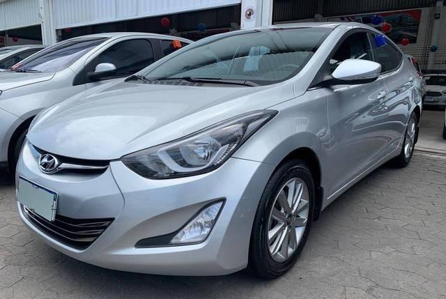 //www.autoline.com.br/carro/hyundai/elantra-20-gls-16v-flex-4p-automatico/2015/serra-es/13311013