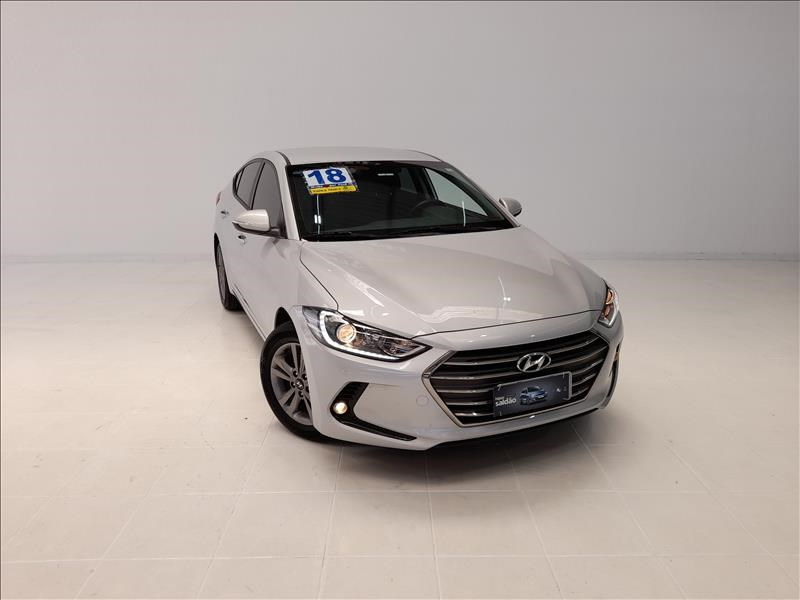 //www.autoline.com.br/carro/hyundai/elantra-20-gls-16v-sedan-flex-4p-automatico/2018/sao-paulo-sp/13563156