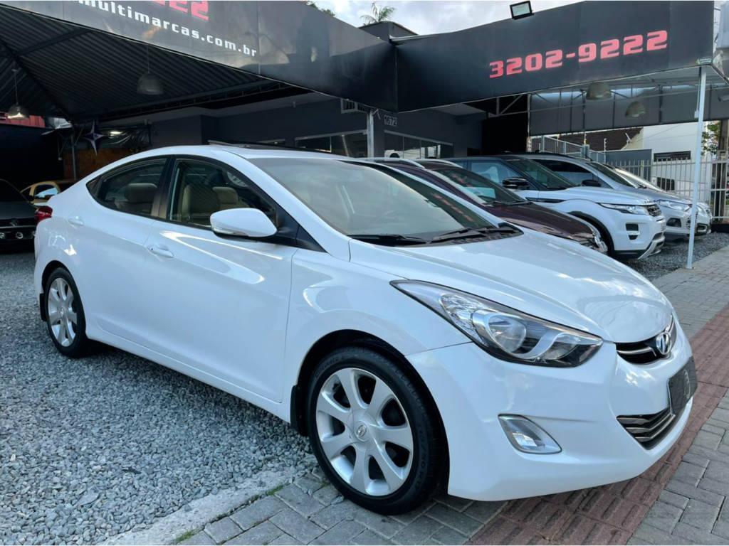 //www.autoline.com.br/carro/hyundai/elantra-18-gls-16v-gasolina-4p-automatico/2012/joinville-sc/14404888