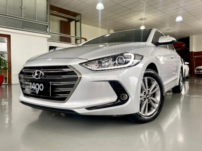//www.autoline.com.br/carro/hyundai/elantra-20-gls-16v-flex-4p-automatico/2018/novo-hamburgo-rs/14900925