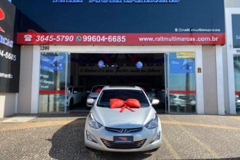 //www.autoline.com.br/carro/hyundai/elantra-20-gls-16v-flex-4p-automatico/2015/americana-sp/14906960