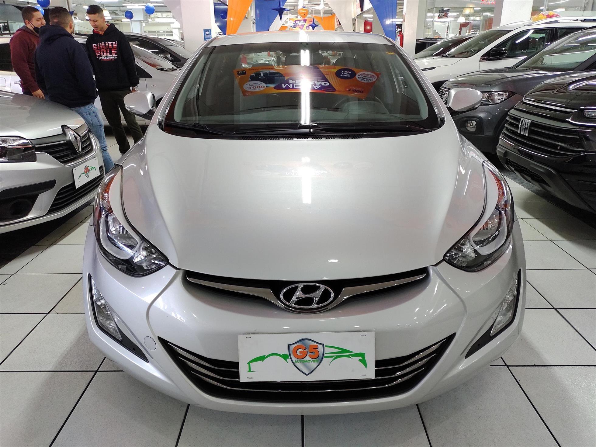 //www.autoline.com.br/carro/hyundai/elantra-20-gls-16v-flex-4p-automatico/2016/osasco-sp/15203125