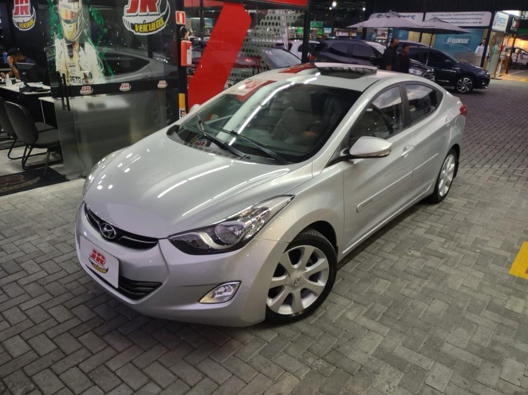 //www.autoline.com.br/carro/hyundai/elantra-18-gls-16v-gasolina-4p-automatico/2013/santos-sp/15211134