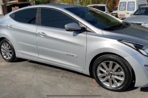 //www.autoline.com.br/carro/hyundai/elantra-20-gls-16v-flex-4p-automatico/2015/rio-de-janeiro-rj/15522423