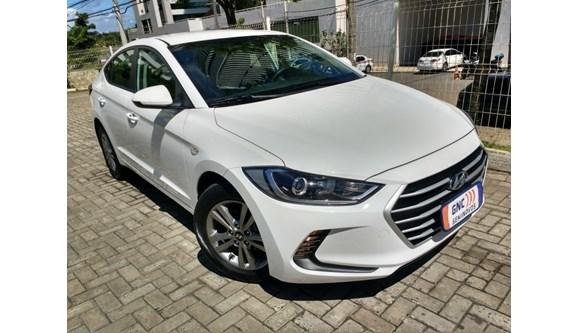 //www.autoline.com.br/carro/hyundai/elantra-20-16v-sedan-flex-4p-automatico/2017/salvador-ba/7718295