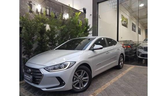 //www.autoline.com.br/carro/hyundai/elantra-20-gls-16v-sedan-flex-4p-automatico/2018/sao-paulo-sp/8147308