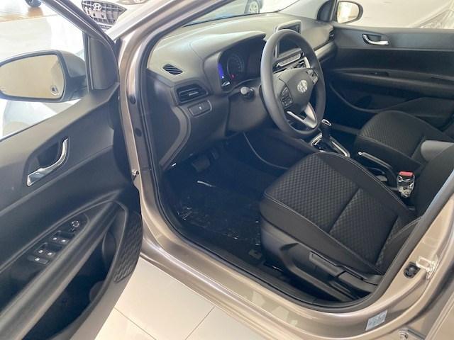 //www.autoline.com.br/carro/hyundai/hb20-16-vision-16v-flex-4p-automatico/2021/sete-lagoas-mg/13023465
