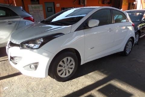 //www.autoline.com.br/carro/hyundai/hb20-16-comfort-plus-16v-flex-4p-automatico/2015/ribeirao-preto-sp/15351039
