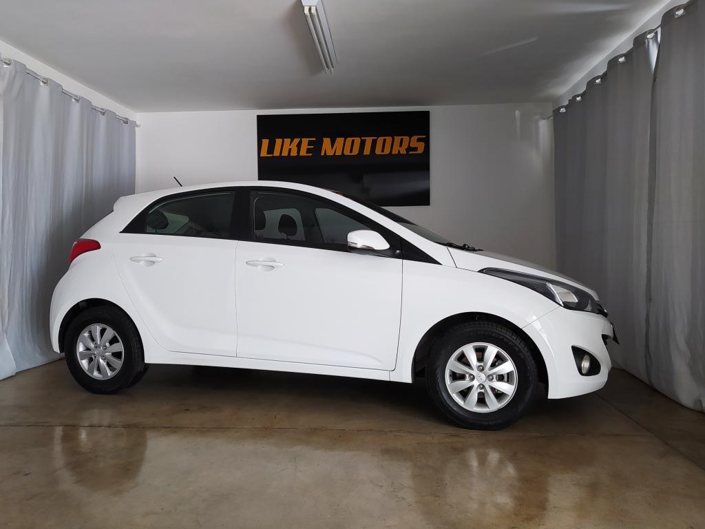 //www.autoline.com.br/carro/hyundai/hb20-10-comfort-plus-12v-flex-4p-manual/2015/franca-sp/15407173