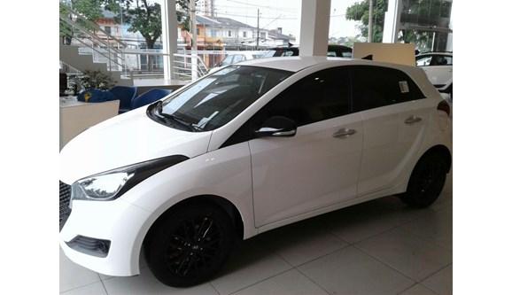 //www.autoline.com.br/carro/hyundai/hb20-16-r-spec-16v-flex-4p-automatico/2019/sao-paulo-sp/8513935
