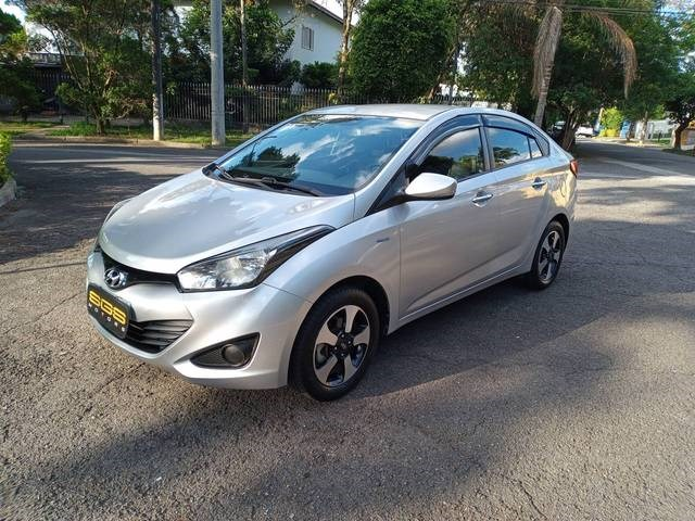 //www.autoline.com.br/carro/hyundai/hb20s-16-comfort-style-16v-flex-4p-manual/2015/sao-paulo-sp/12992566