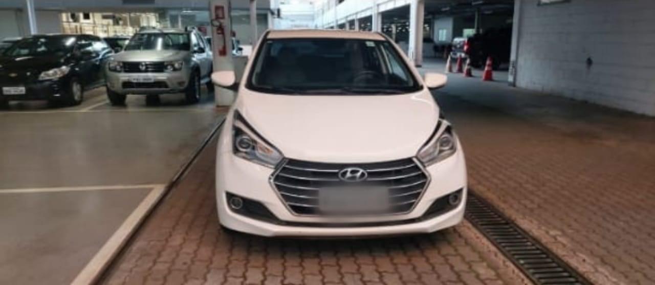 //www.autoline.com.br/carro/hyundai/hb20s-16-premium-16v-flex-4p-automatico/2016/brasilia-df/14860990