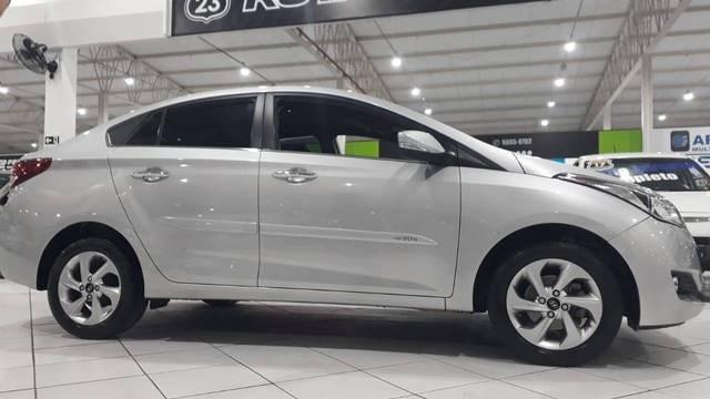 //www.autoline.com.br/carro/hyundai/hb20s-16-premium-16v-flex-4p-automatico/2016/sao-paulo-sp/14878093