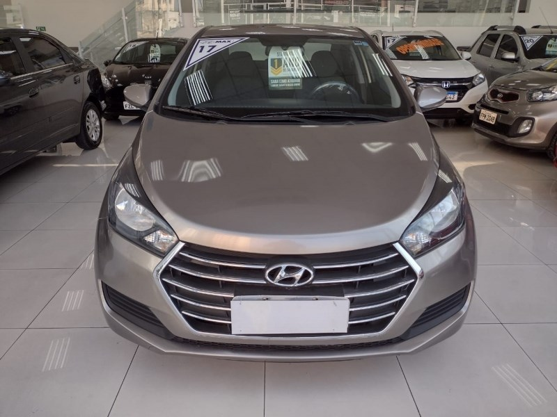 //www.autoline.com.br/carro/hyundai/hb20s-16-comfort-plus-16v-flex-4p-automatico/2017/sao-paulo-sp/14922378