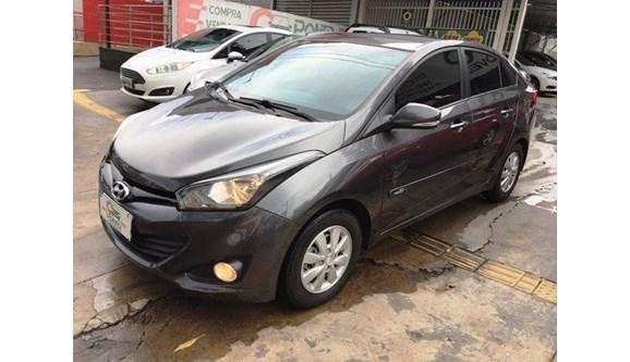 //www.autoline.com.br/carro/hyundai/hb20s-16-comfort-plus-16v-flex-4p-automatico/2014/goiania-go/8247271