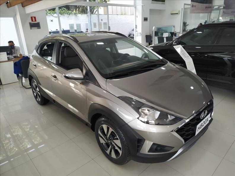 //www.autoline.com.br/carro/hyundai/hb20x-16-vision-16v-flex-4p-automatico/2021/sao-paulo-sp/14638652