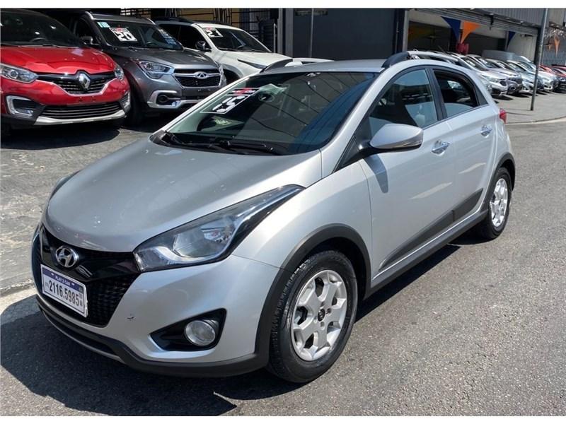 //www.autoline.com.br/carro/hyundai/hb20x-16-premium-16v-flex-4p-automatico/2015/sao-paulo-sp/15643872