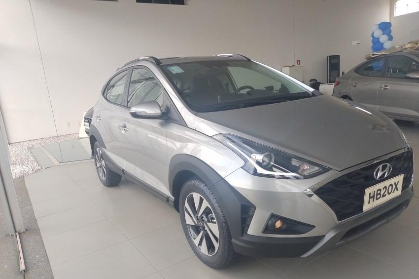 //www.autoline.com.br/carro/hyundai/hb20x-16-diamond-16v-flex-4p-automatico/2022/ribeirao-preto-sp/15845338