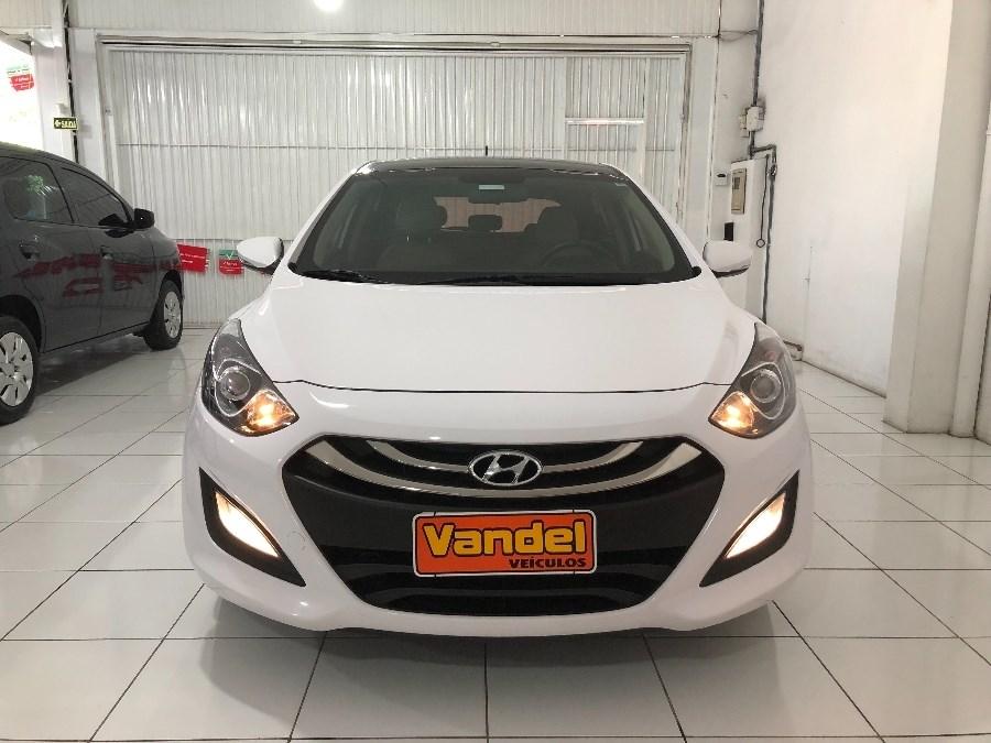 //www.autoline.com.br/carro/hyundai/i30-18-16v-150cv-4p-gasolina-automatico/2015/sapucaia-do-sul-rs/10028448