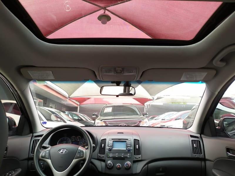 //www.autoline.com.br/carro/hyundai/i30-20-cw-16v-gasolina-4p-automatico/2011/curitiba-pr/11251068