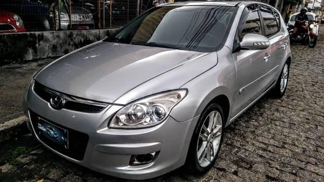 //www.autoline.com.br/carro/hyundai/i30-20-gls-16v-top-145cv-4p-gasolina-automatico/2010/suzano-sp/12960222