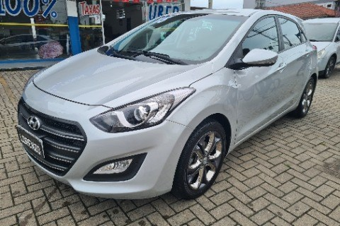//www.autoline.com.br/carro/hyundai/i30-18-gls-16v-gasolina-4p-automatico/2015/joinville-sc/14279001