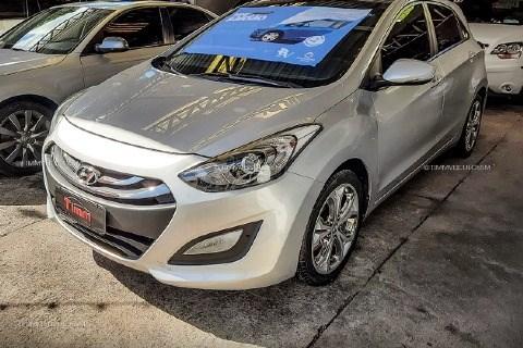 //www.autoline.com.br/carro/hyundai/i30-18-gls-16v-gasolina-4p-automatico/2015/santa-maria-rs/14444989