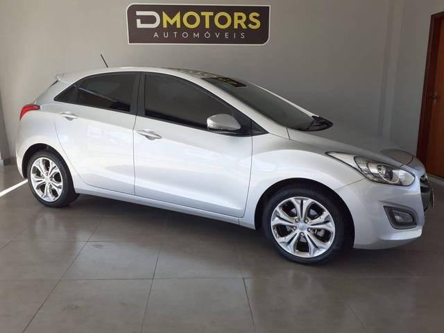 //www.autoline.com.br/carro/hyundai/i30-18-gls-16v-gasolina-4p-automatico/2014/brasilia-df/14618962