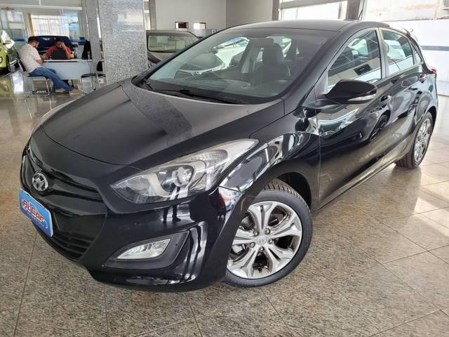 //www.autoline.com.br/carro/hyundai/i30-16-gd-16v-flex-4p-automatico/2014/brasilia-df/15178016