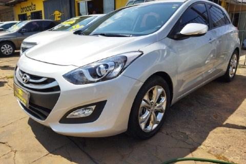 //www.autoline.com.br/carro/hyundai/i30-16-gd-16v-flex-4p-automatico/2014/brasilia-df/15690111