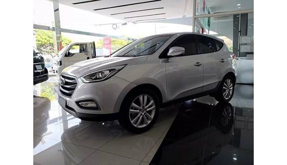 //www.autoline.com.br/carro/hyundai/ix35-20-16v-2wd-flex-4p-automatico/2016/ribeirao-preto-sp/6346072