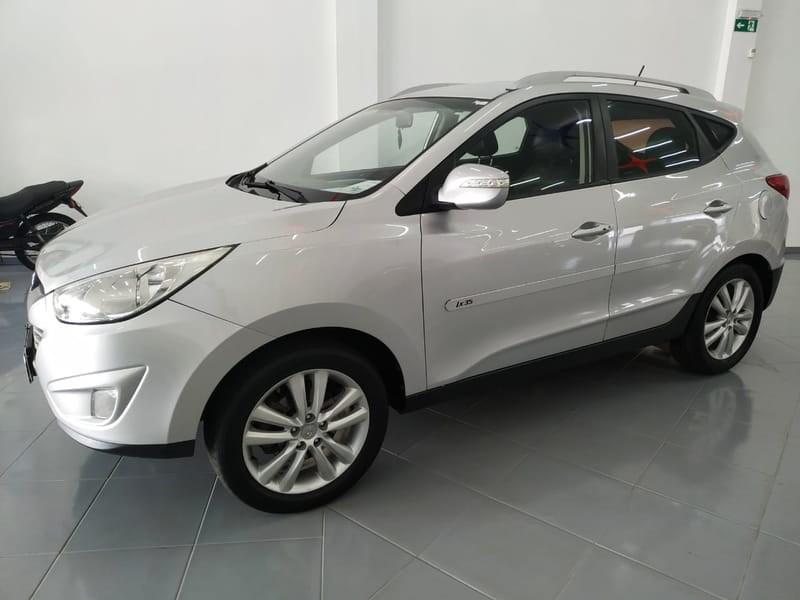 //www.autoline.com.br/carro/hyundai/ix35-20-16v-flex-4p-manual/2013/cascavel-pr/12645689