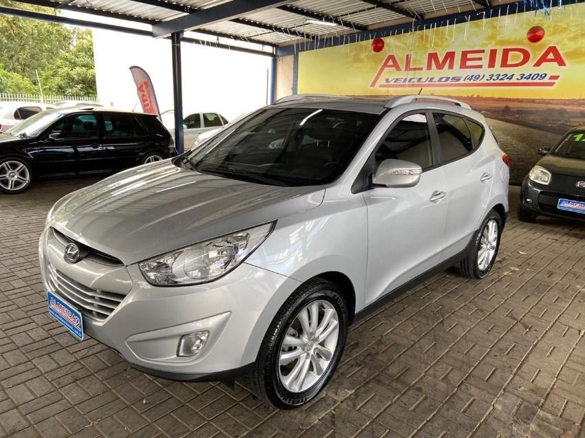 //www.autoline.com.br/carro/hyundai/ix35-20-16v-2wd-flex-4p-manual/2012/chapeco-sc/13023015
