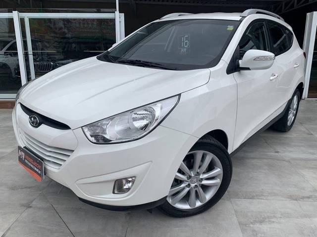 //www.autoline.com.br/carro/hyundai/ix35-20-gls-16v-flex-4p-automatico/2016/tubarao-sc/13665304