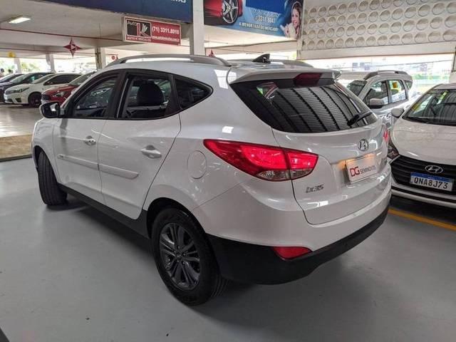 //www.autoline.com.br/carro/hyundai/ix35-20-gl-16v-flex-4p-automatico/2018/salvador-ba/14396161