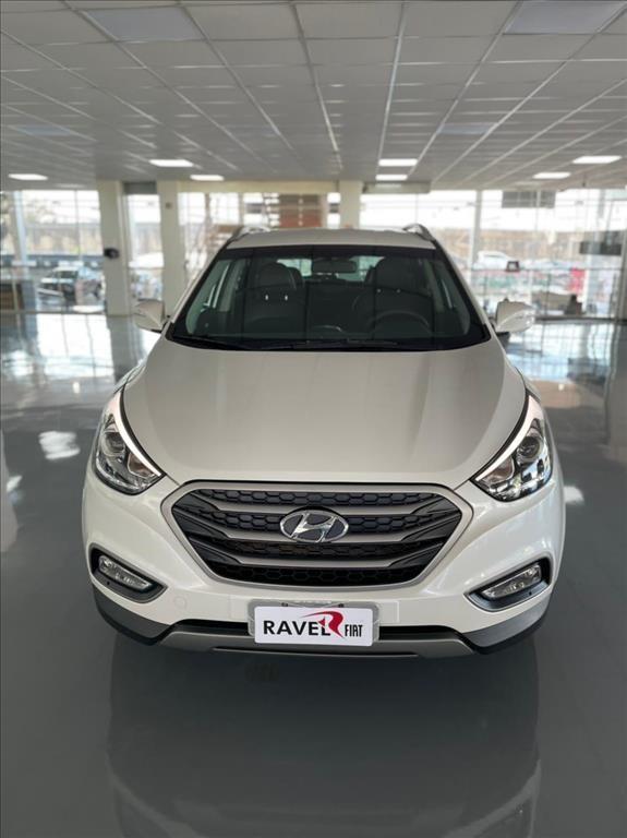 //www.autoline.com.br/carro/hyundai/ix35-20-16v-flex-4p-automatico/2018/rio-verde-go/14922725