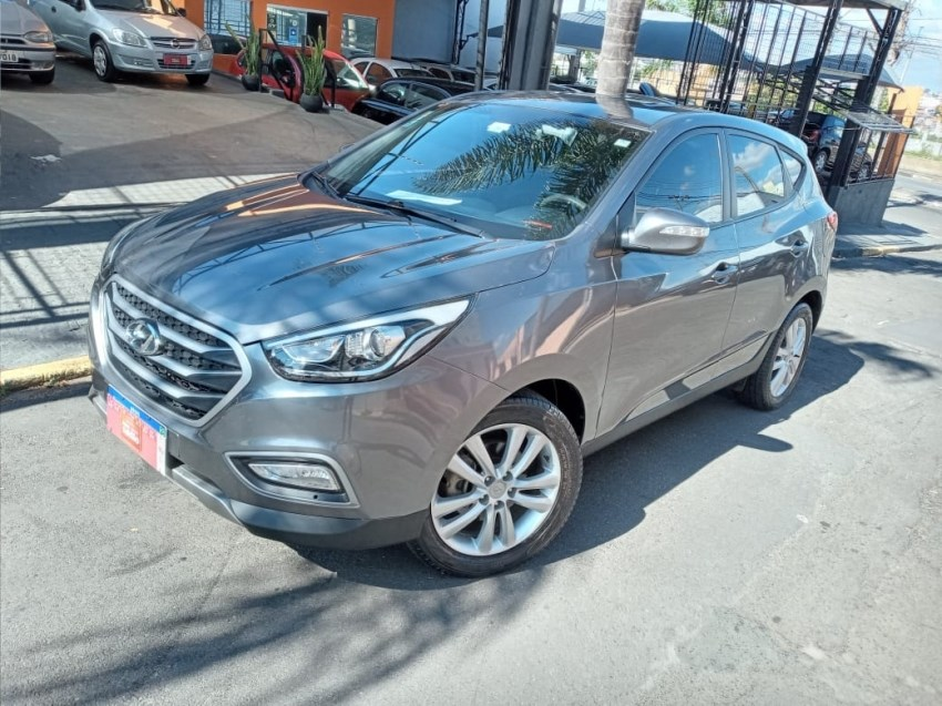//www.autoline.com.br/carro/hyundai/ix35-20-gls-16v-flex-4p-automatico/2017/campinas-sp/14939332